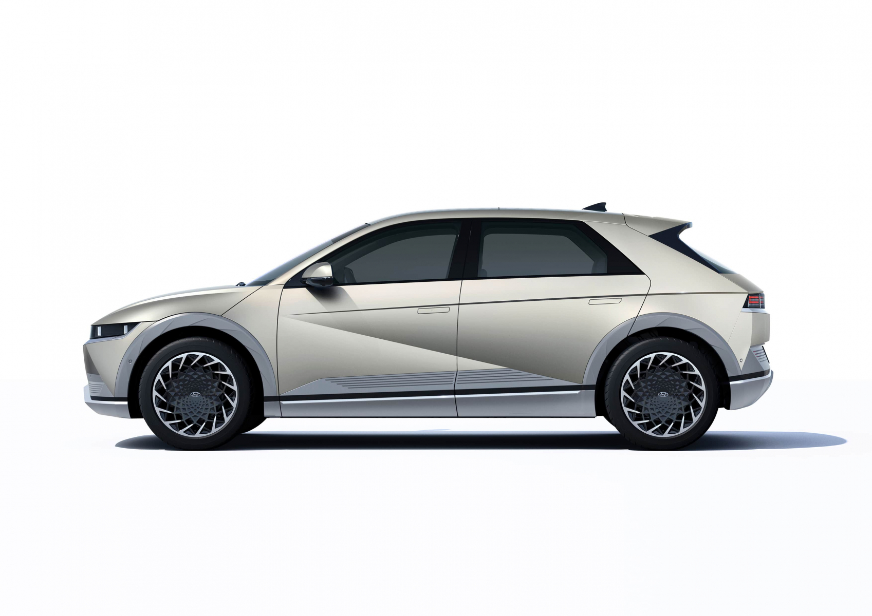 Hyundai IONIQ 5 переосмислює спосіб життя з електричною мобільністю | Авто Лідер Захід - фото 12